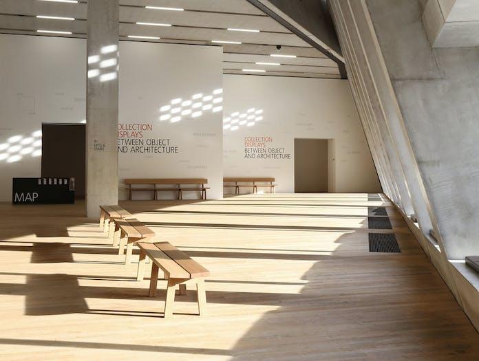 Maruni botan bench tate modern