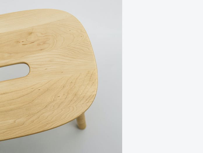 Maruni O Stool Maple Detail