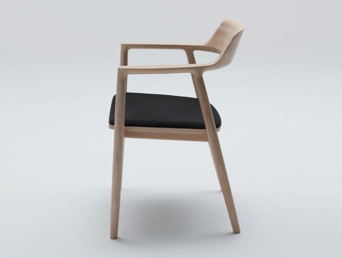 Maruni Hiroshima Armchair Beech Black Fabric