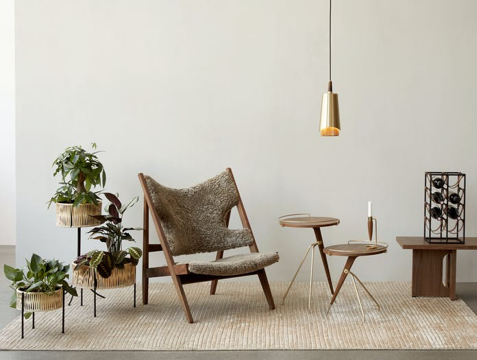 Menu knitting lounge chair story 3