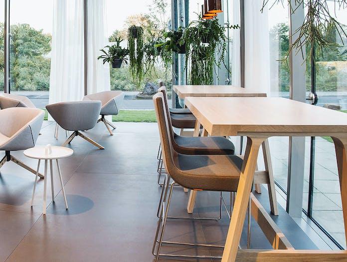 Montis doble bar tables