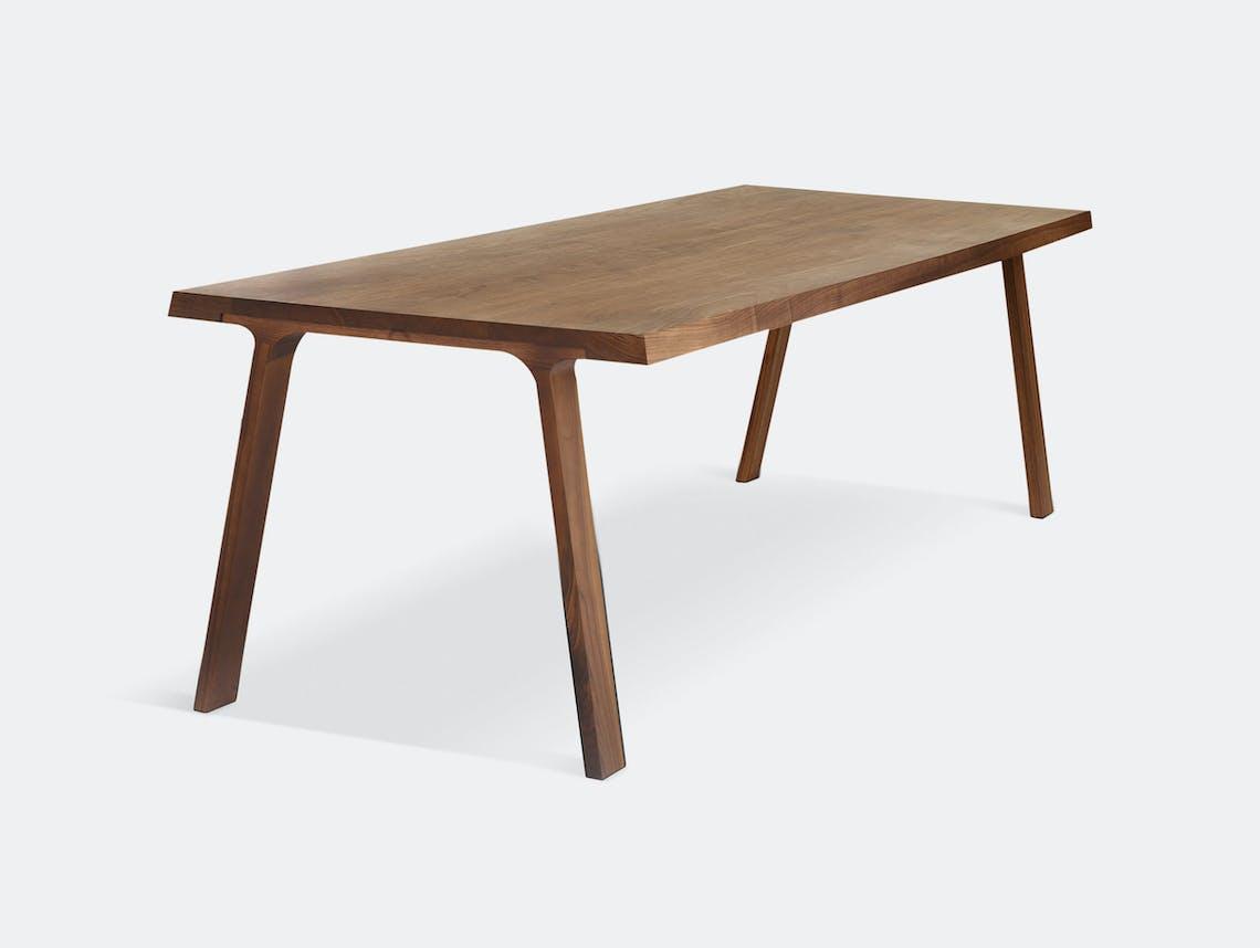 Montis Doble Table Walnut Gijs Papavoine