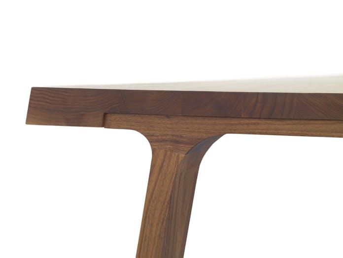 Montis Doble Table Walnut Detail Gijs Papavoine