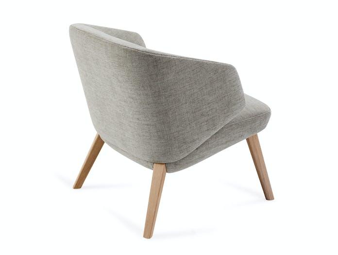 Montis Back Me Up Salon Lounge Chair 4