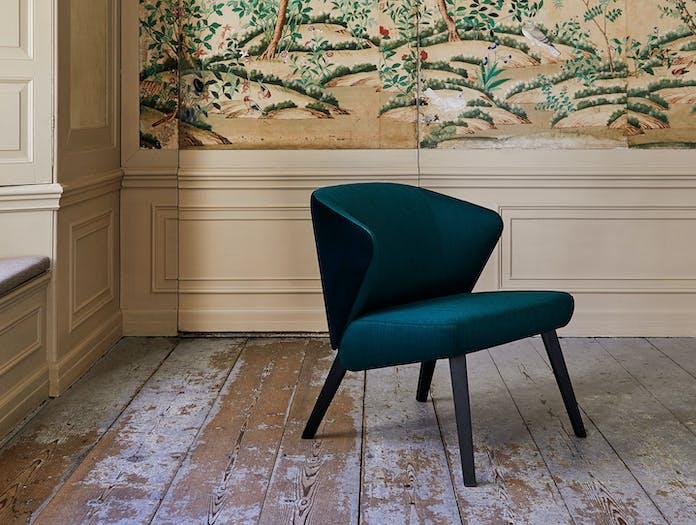 Montis Back Me Up Salon Lounge Front Arian Brekveld