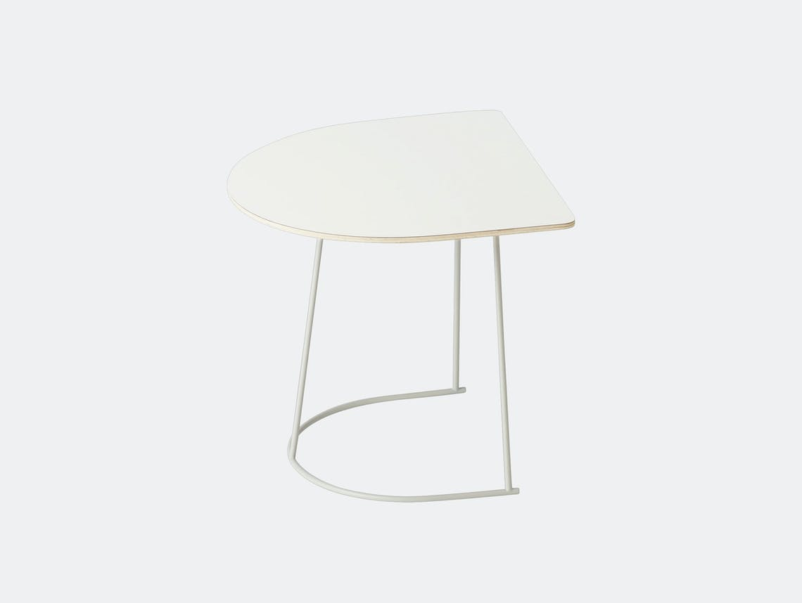 Muuto Airy Half Size Off White Cecilie Manz