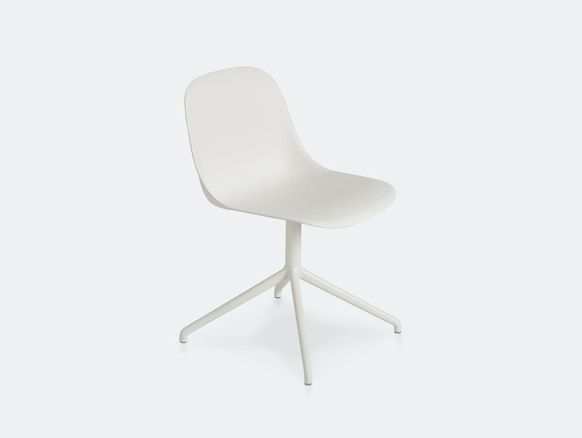 Muuto fiber swivel side chair white