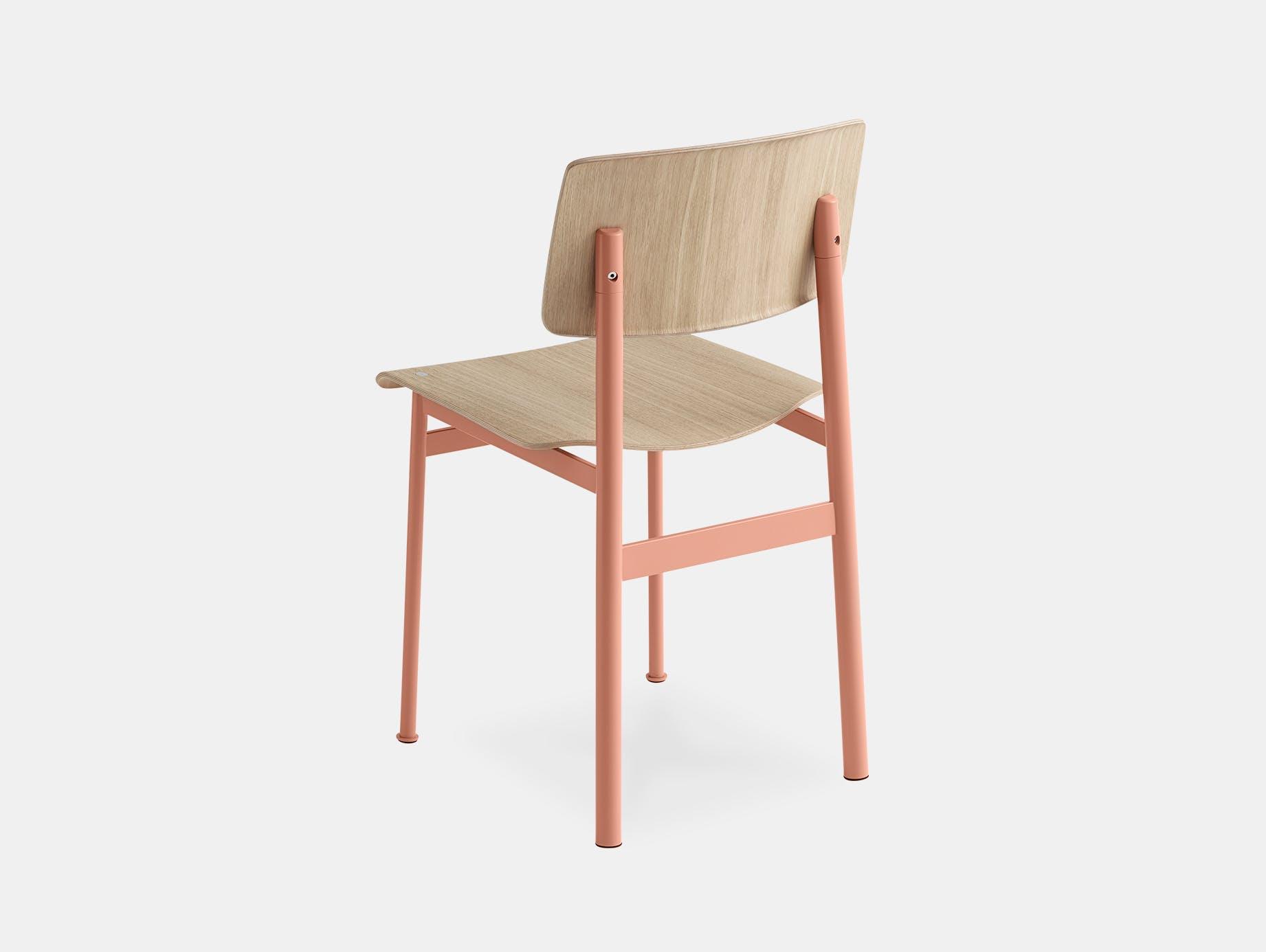 Muuto loft chair dusty rose oak