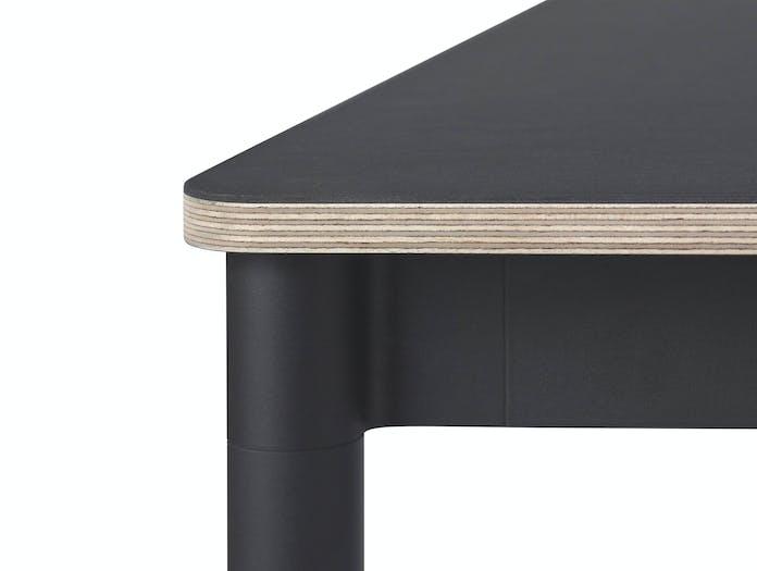 Base Table Black Detail