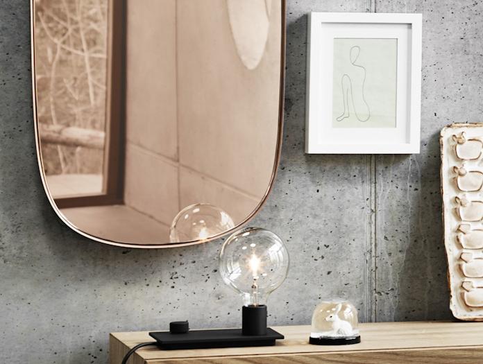Muuto Framed Mirror Small Rose Detail Anderssen Voll