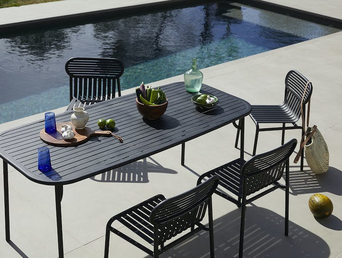 Petite friture weekend chairs table