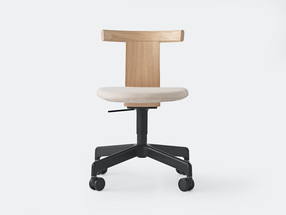 Jiro Chair with castors - Upholstered image