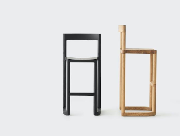 Resident pier bar stool black oak