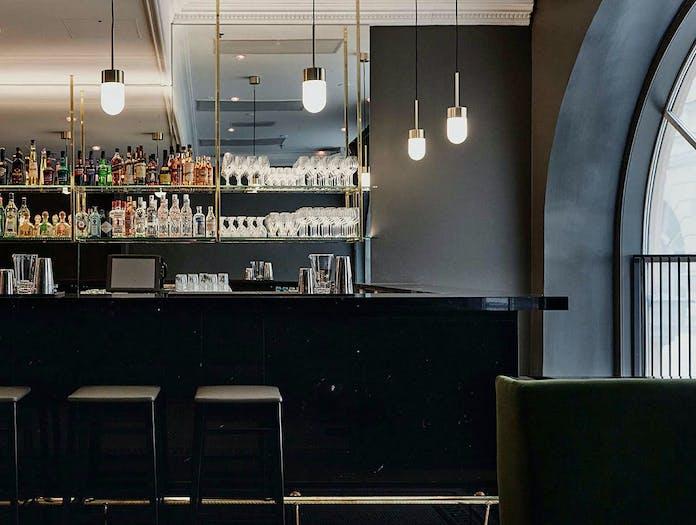 Rubn vox pendant light Le Roy bar