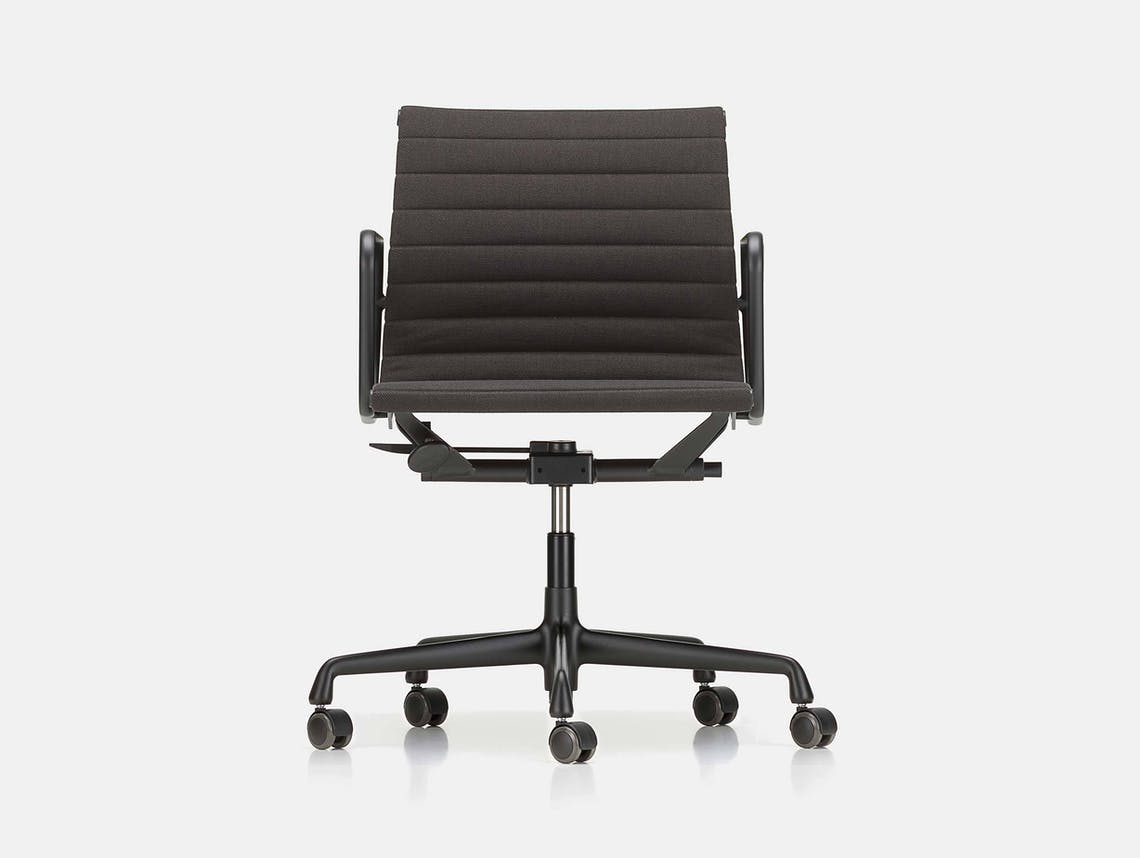Vitra EA117 Aluminium Group Chair black Charles and Ray Eames