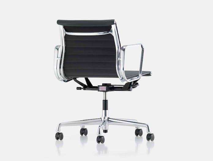 Vitra EA117 Aluminium Group Chair chrome black Charles and Ray Eames