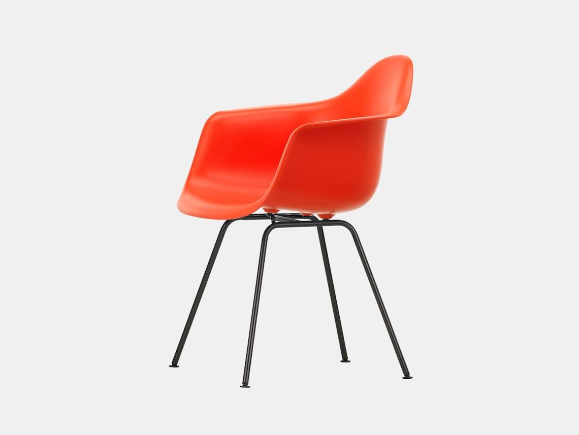 Vitra Eames Plastic Armchair DAX 03 Poppy Blk