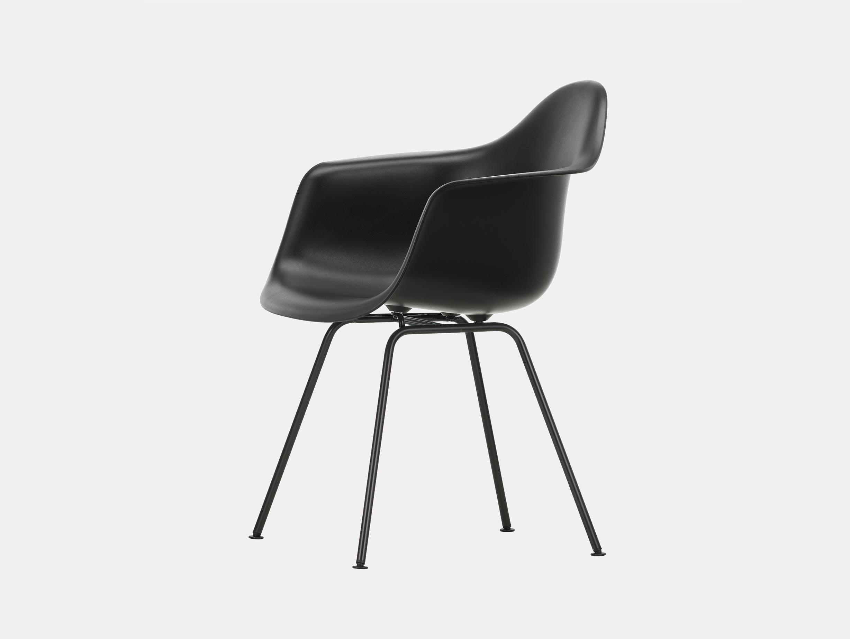 Vitra Eames Plastic Armchair DAX 12 Deep Black Blk
