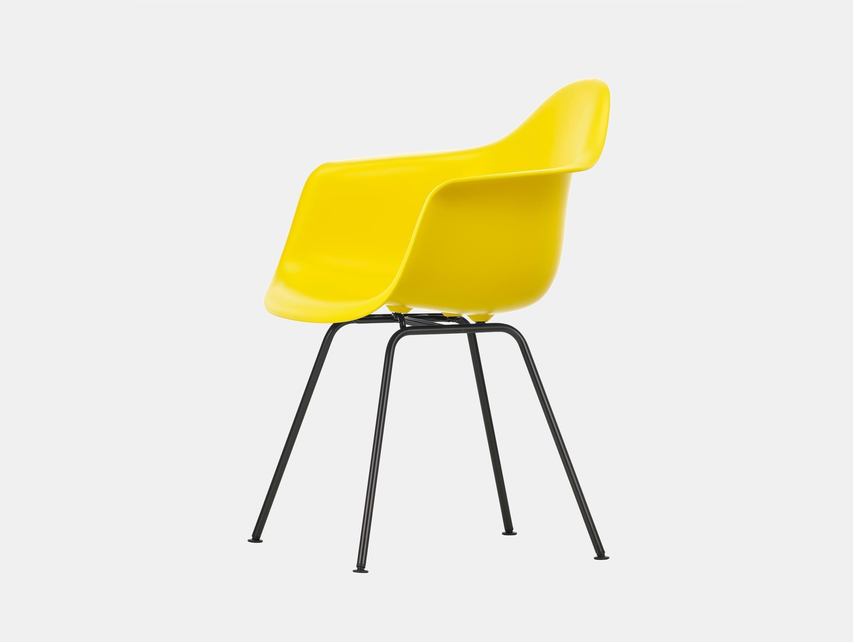Vitra Eames Plastic Armchair DAX 26 Sunlight Blk