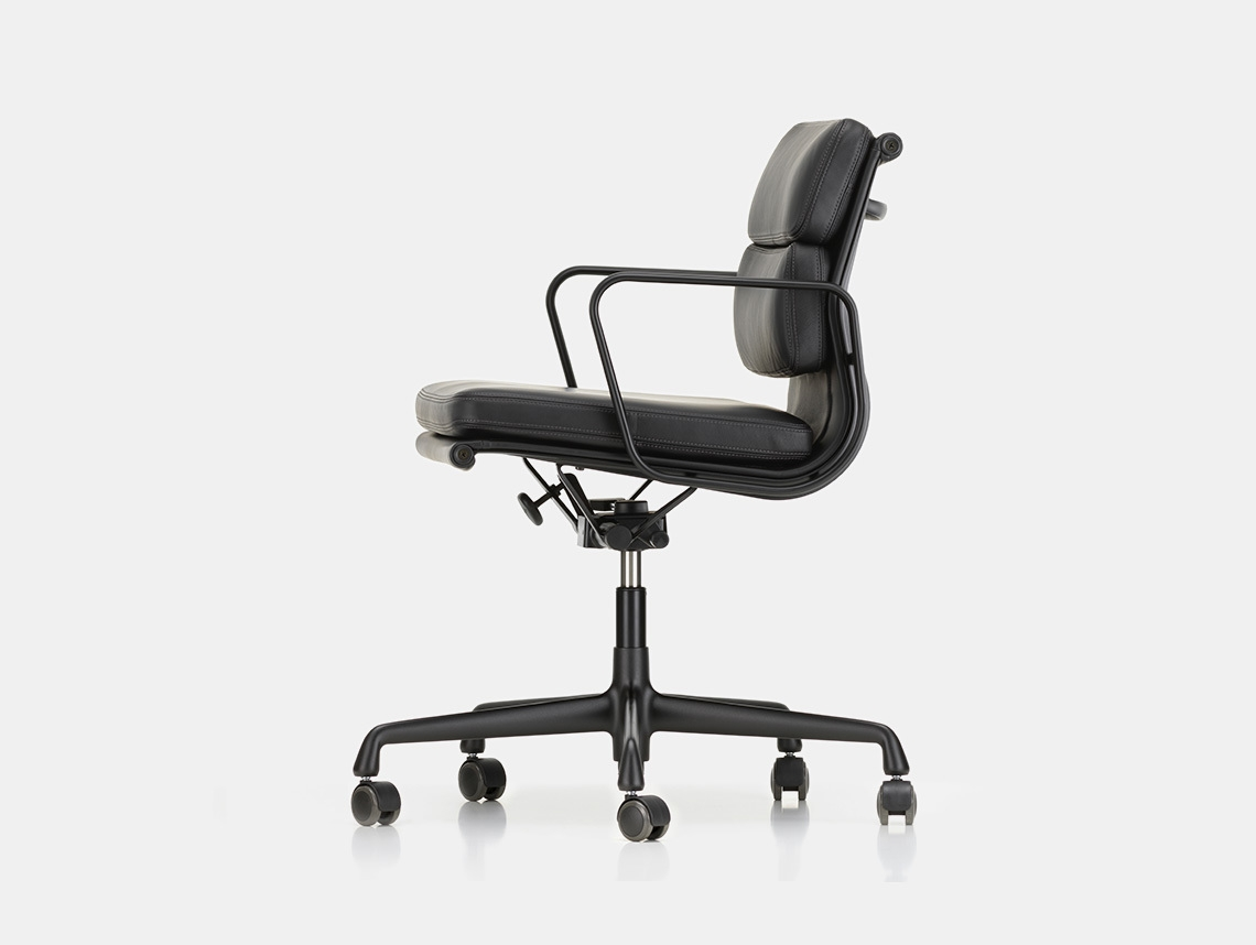 Vitra Soft Pad Group Chair black side Charles and Ray Eames