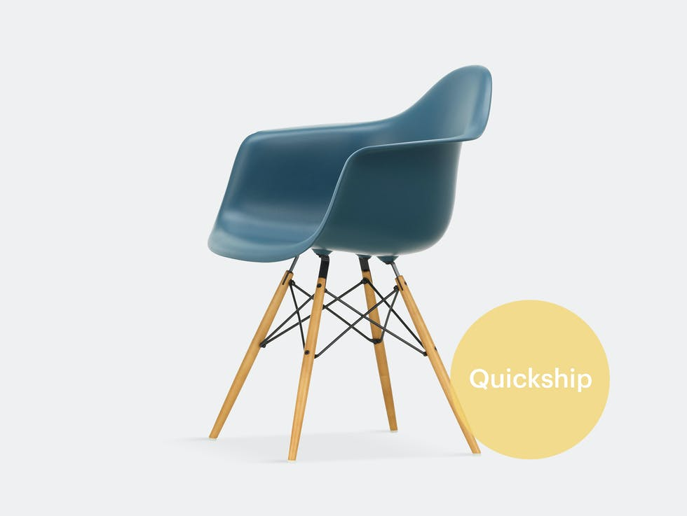 Eames DAW Plastic Armchair image