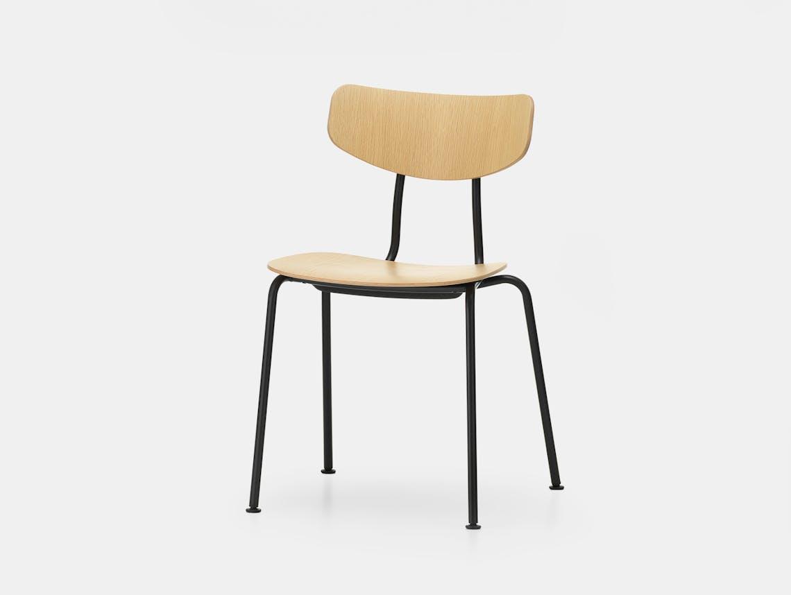 Vitra moca chair oak basic dark front