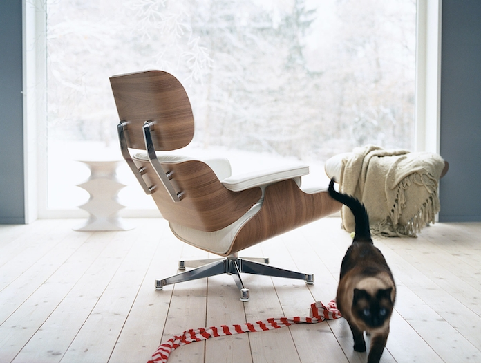 Vitra Eames Lounge Chair Ottoman Walnut White Charles And Ray Eames