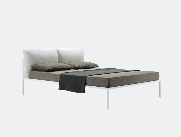 Zanotta Nyx Bed With Cushions Emaf Progetti