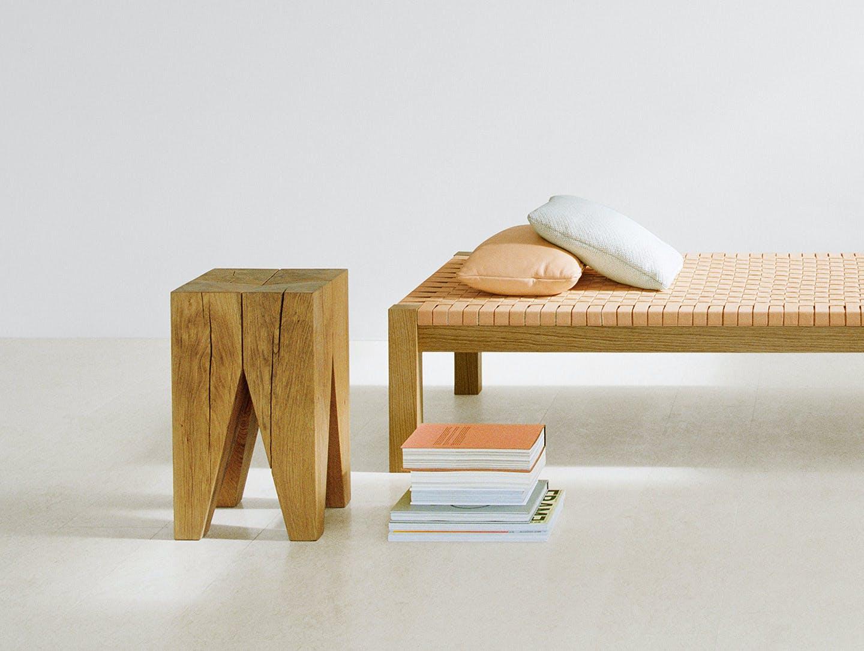 E15 philipp mainzer backenzahn stool image