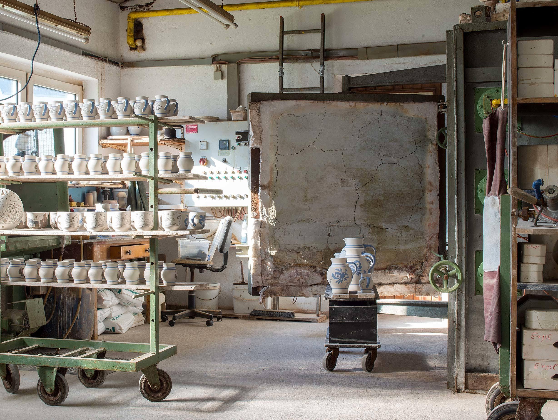E15 Salinas Stoneware Workshop image